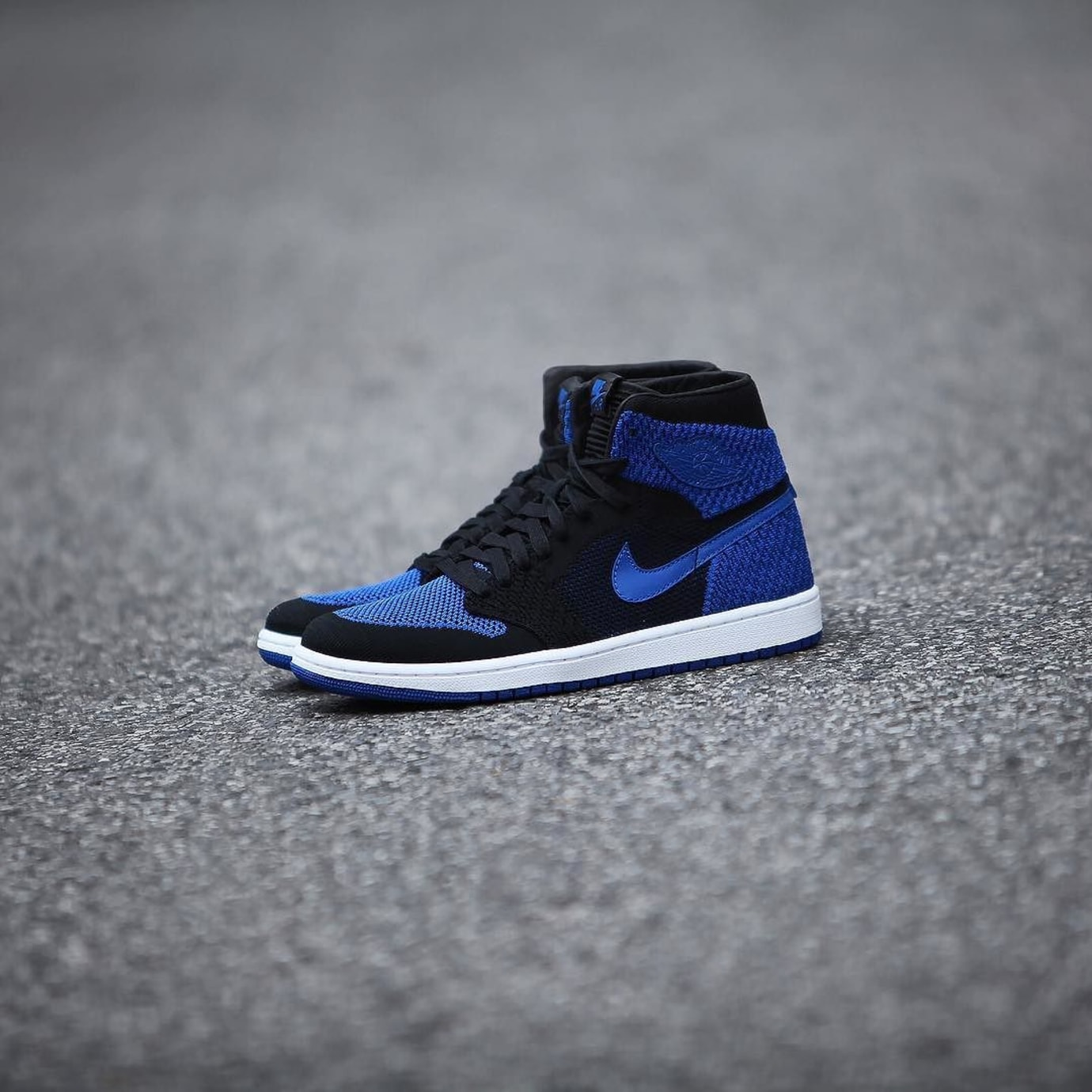 Air Jordan 1 Flyknit Royal Release Date 919704-006 (2)