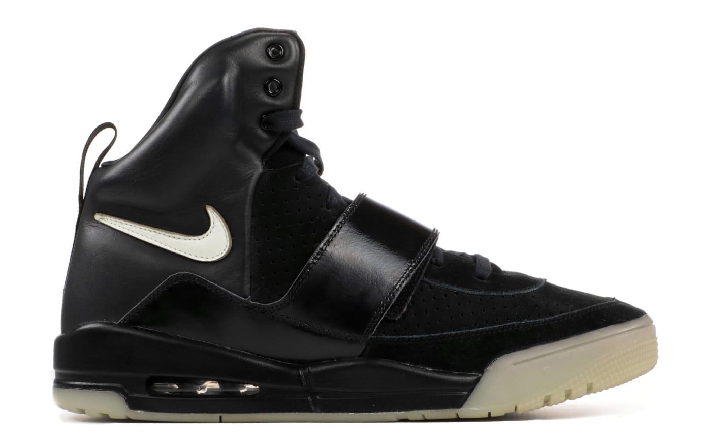 sale retailer 3e97e 41fd3 Nike Air Yeezy Glow Sample Profile