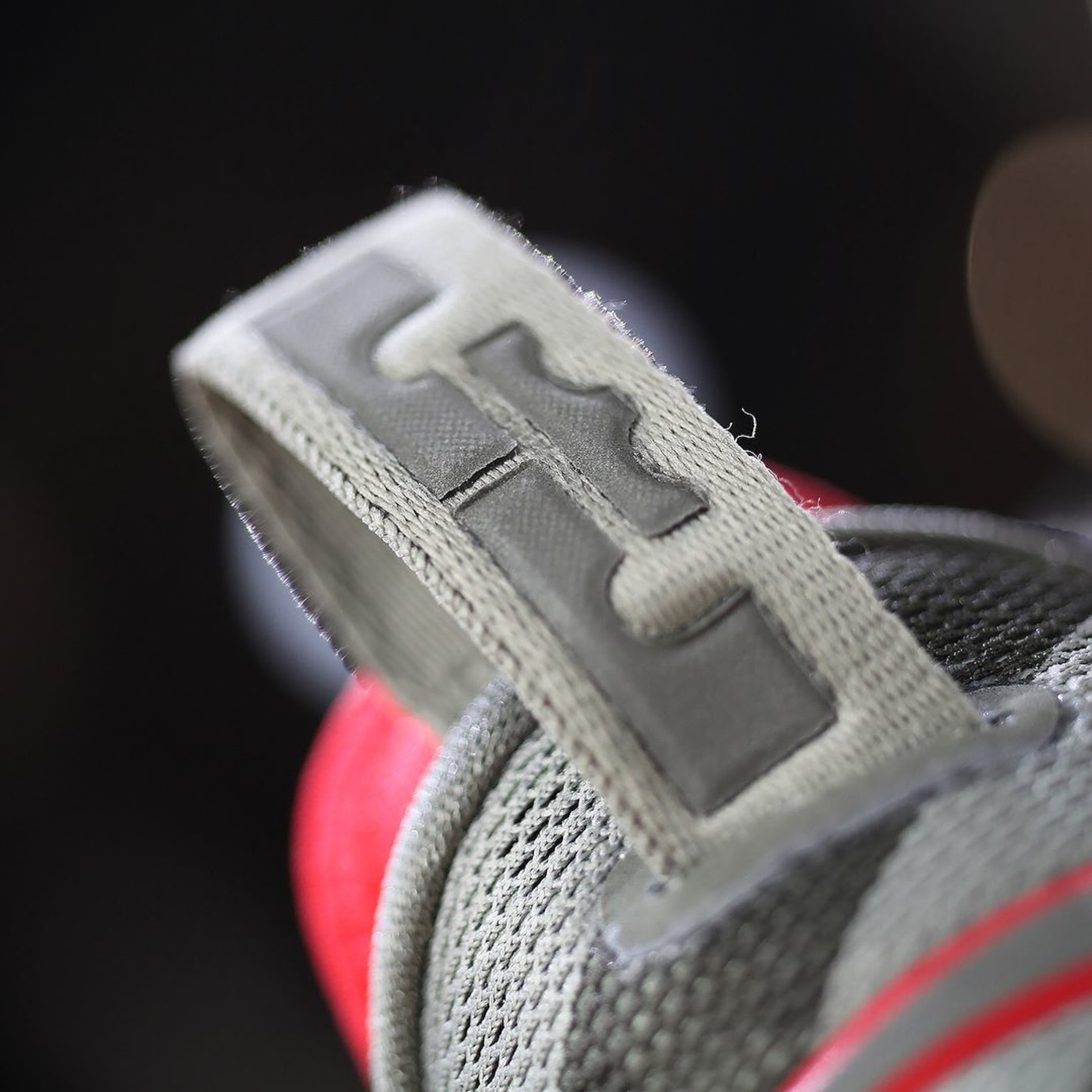 b30c4e7c1188f Nike LeBron 14 Low Olive Release Date 878635-003 (12)