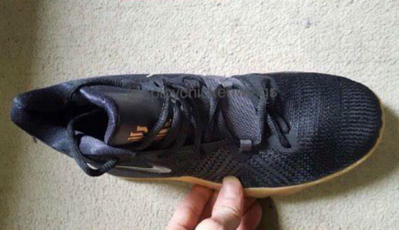 Nike Kyrie Budget Sneaker Black Gum