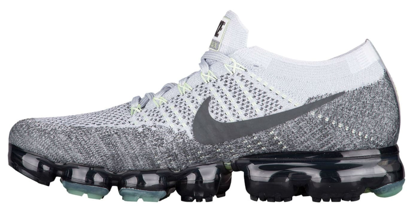 aa89652ff9c41 Nike Air VaporMax Flyknit Heritage Pack Pure Platinum White Dark Grey  Release Date 922915-002
