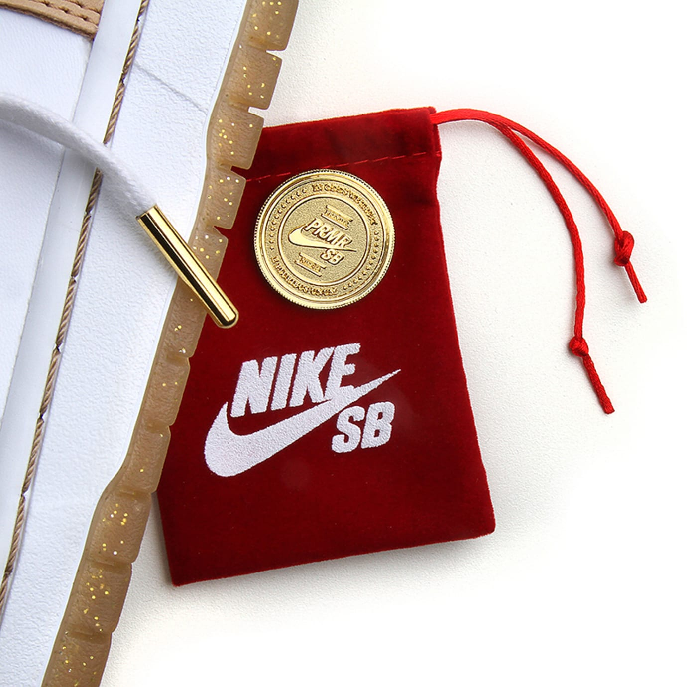 Premier x Nike SB Dunk High TRD (Accessories)