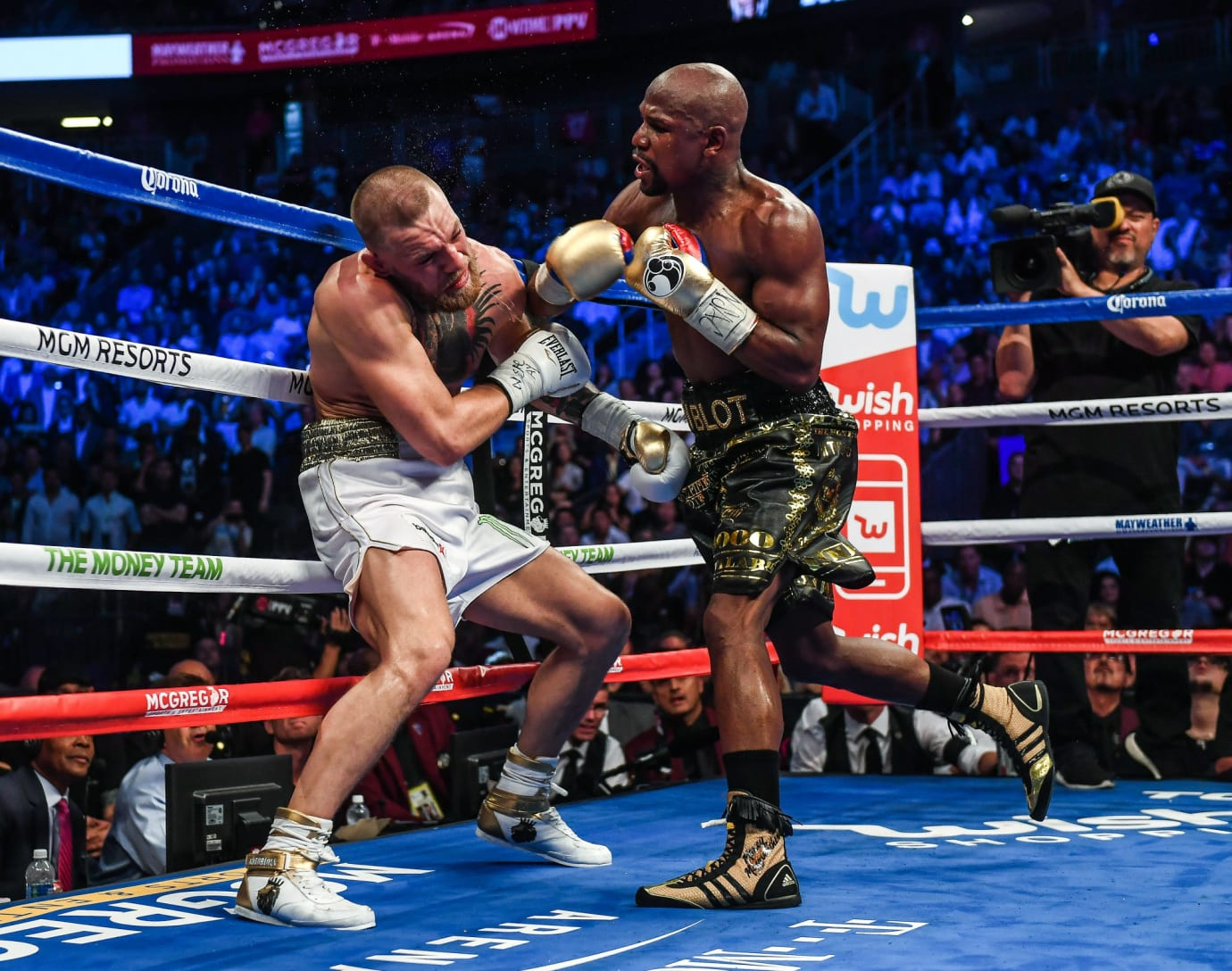 Floyd Mayweather Knocks Out Conor McGregor in Adidas Boxing Boots (2)