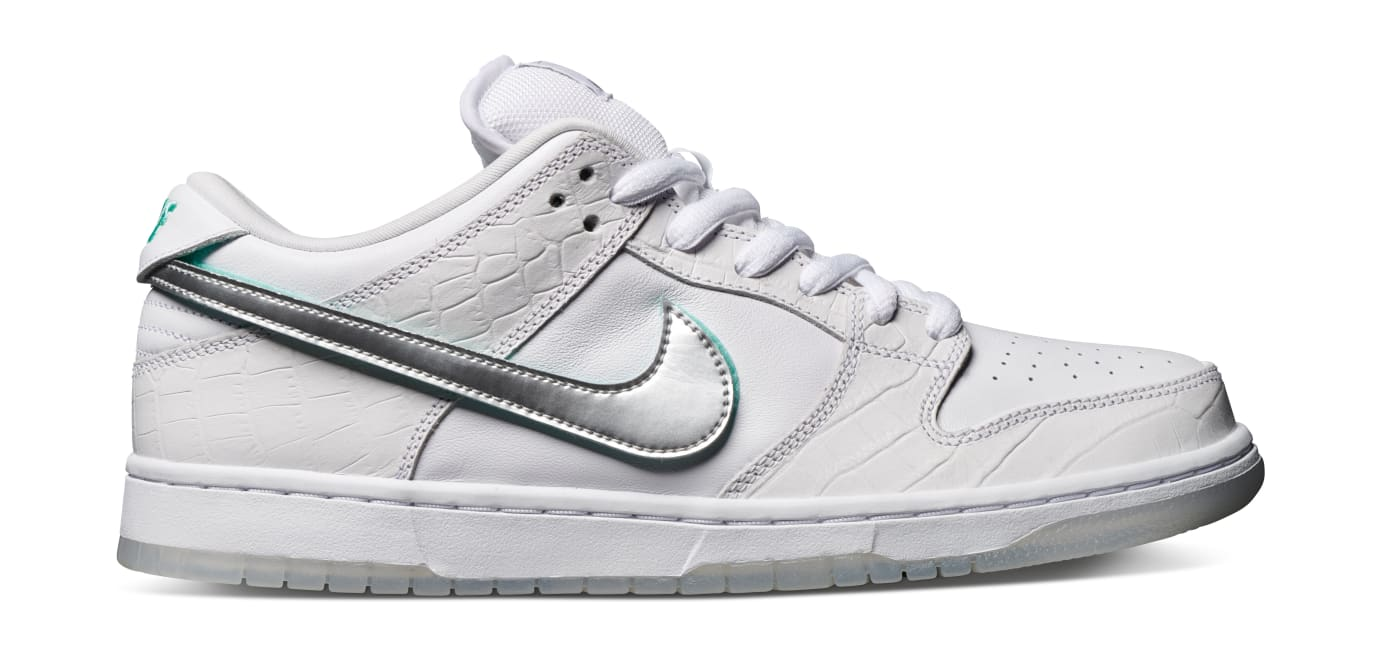 Diamond Supply Co. x Nike SB Dunk Low 'White' (Lateral)
