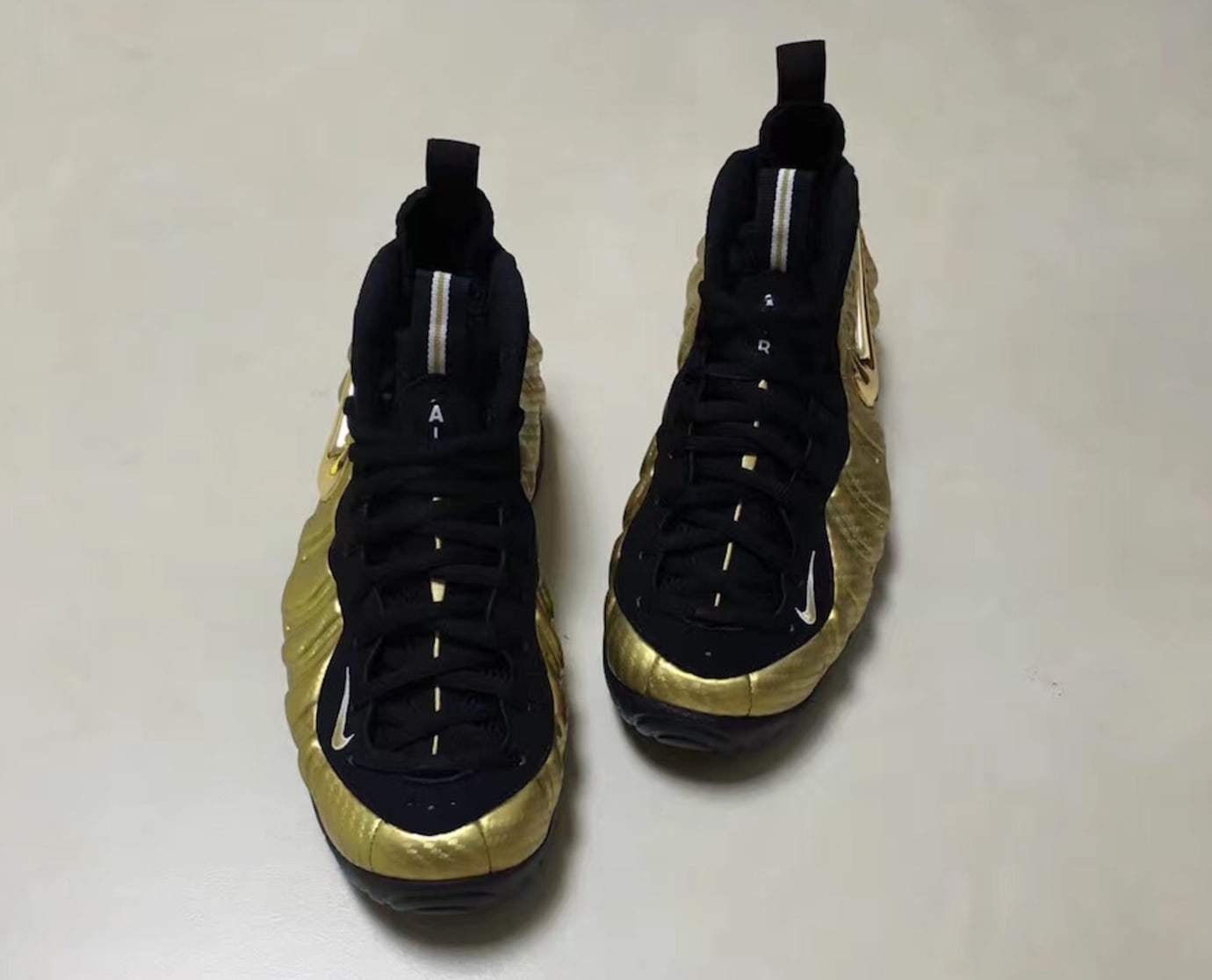 Nike Air Foamposite Pro Metallic Gold Release Date Front 624041-701