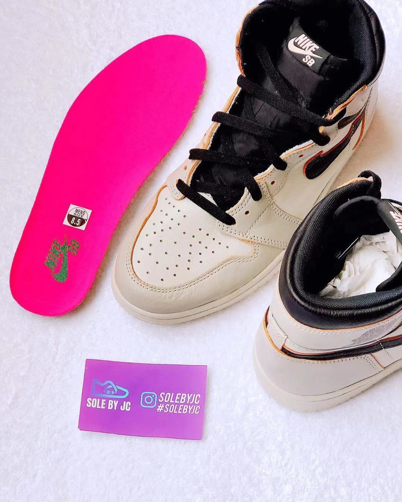 Nike SB x Air Jordan 1 'Light Bone/Crimson Tint-Hyper Pink-Black' CD6578-006 3