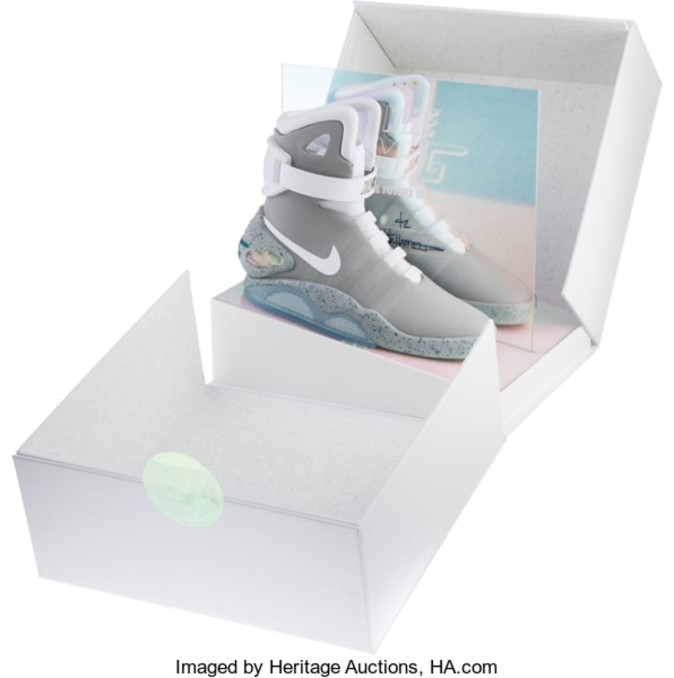 quality design 54d6a 15a90 Nike Air Mag Heritage Auctions