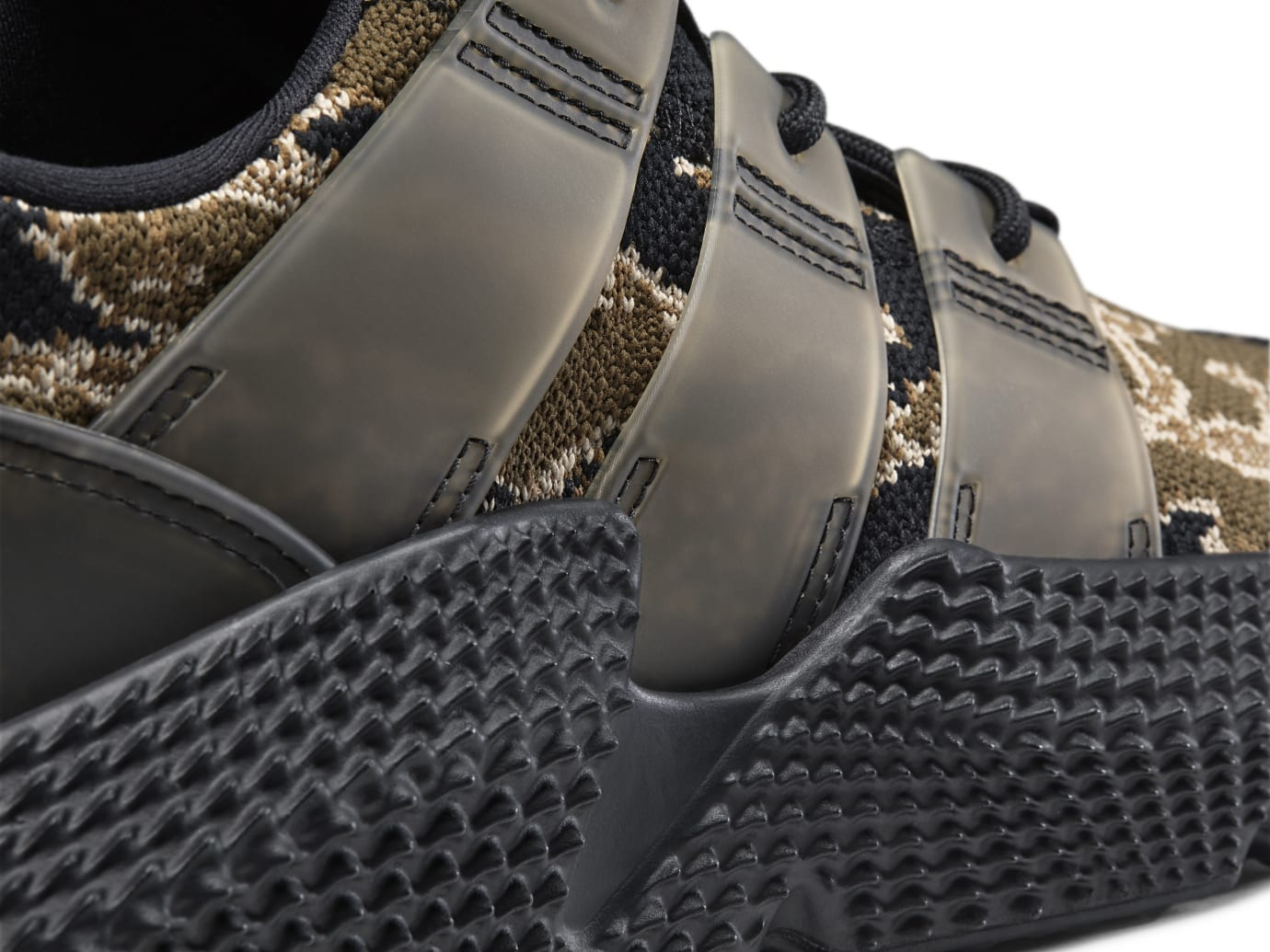 UNDFTD x Adidas Prophere Core Black/Trace Olive-Raw Gold AC8198 (Detail)