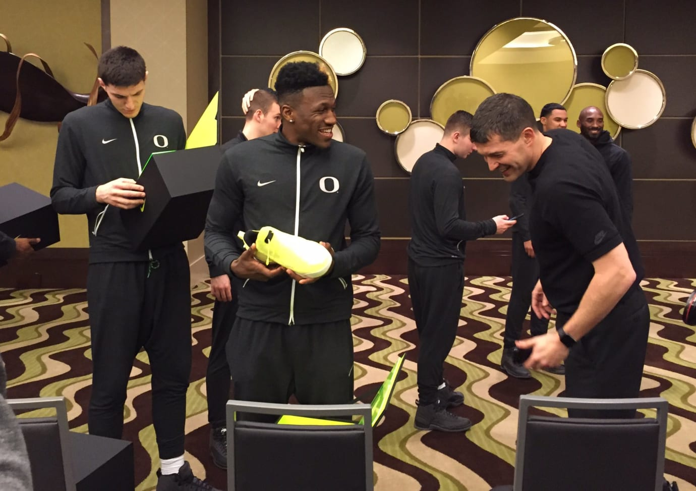 Kobe Bryant Visits Oregon Ducks Final Four (4)