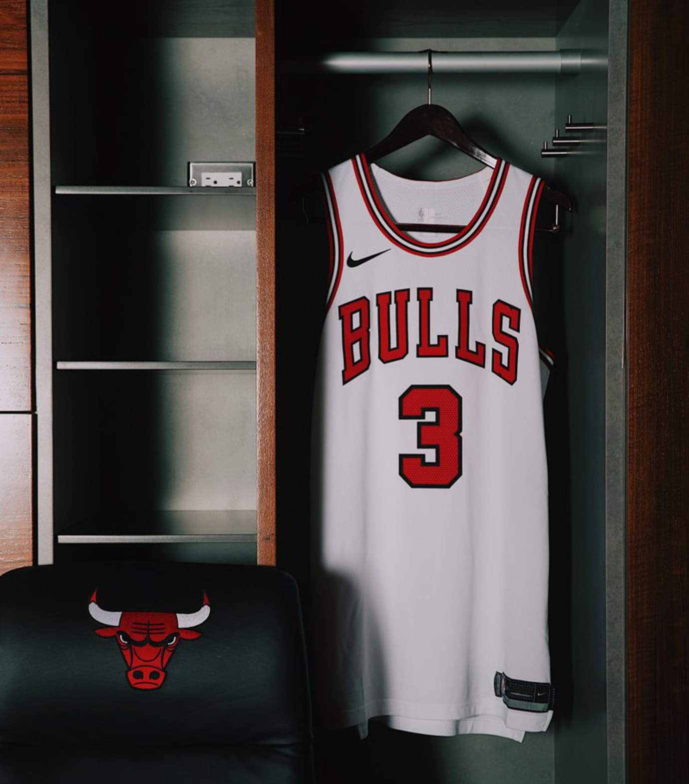 Chicago Bulls Nike Jersey Away Front