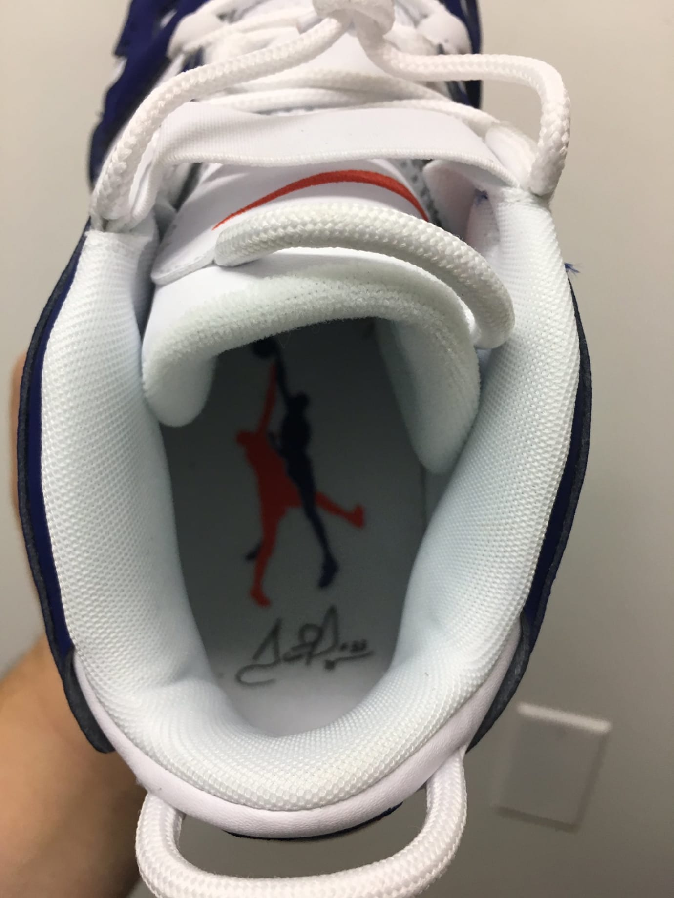 Nike Air More Uptempo Knicks Ewing Release Date Insole 921948-101