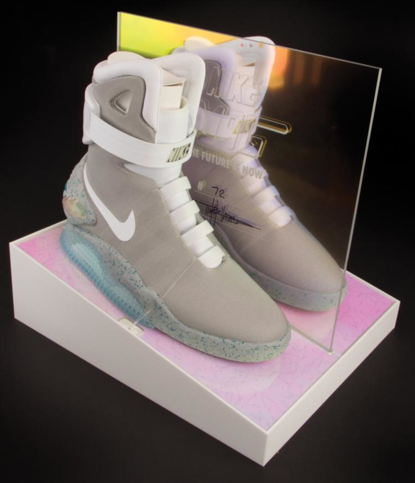 Auto-Lacing Nike Mag Auction (5)