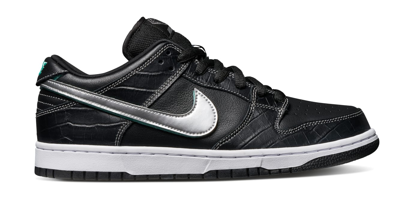 Diamond Supply Co. x Nike SB Dunk Low 'Black' (Lateral)