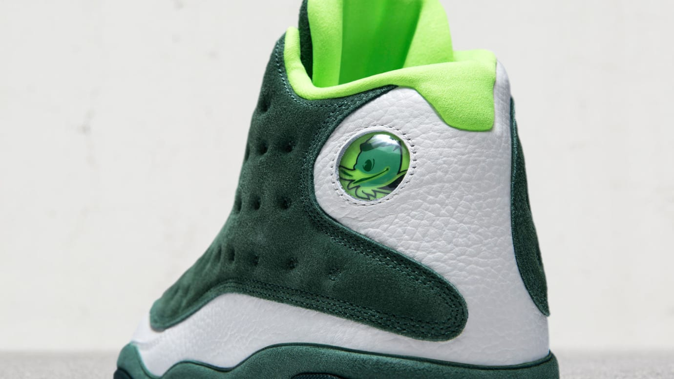 Air Jordan 13 Oregon Ducks Football Friends & Family PE (Hologram)