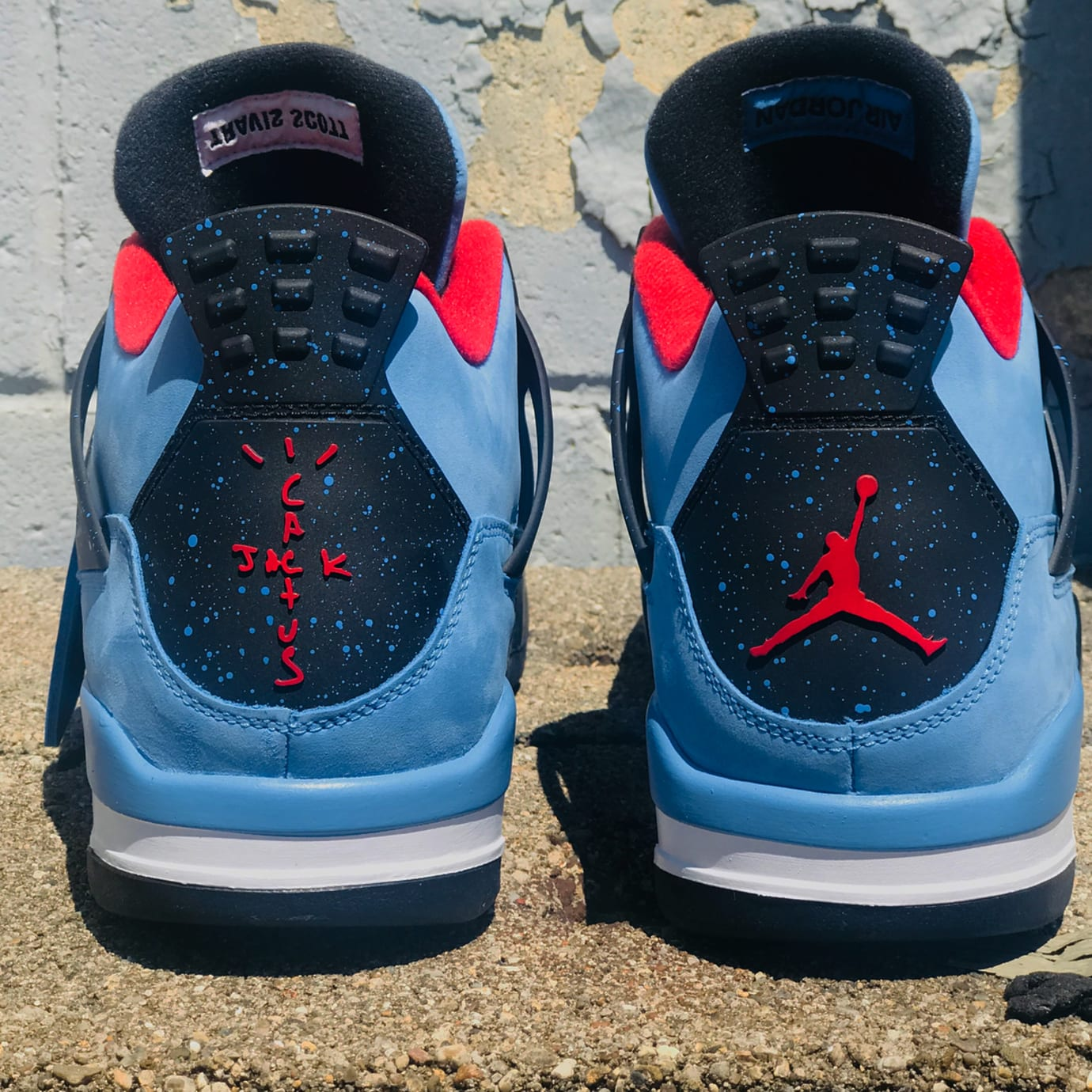 Travis Scott x Air Jordan 4 Oiler Release Date 308497-406 Beauty Heel