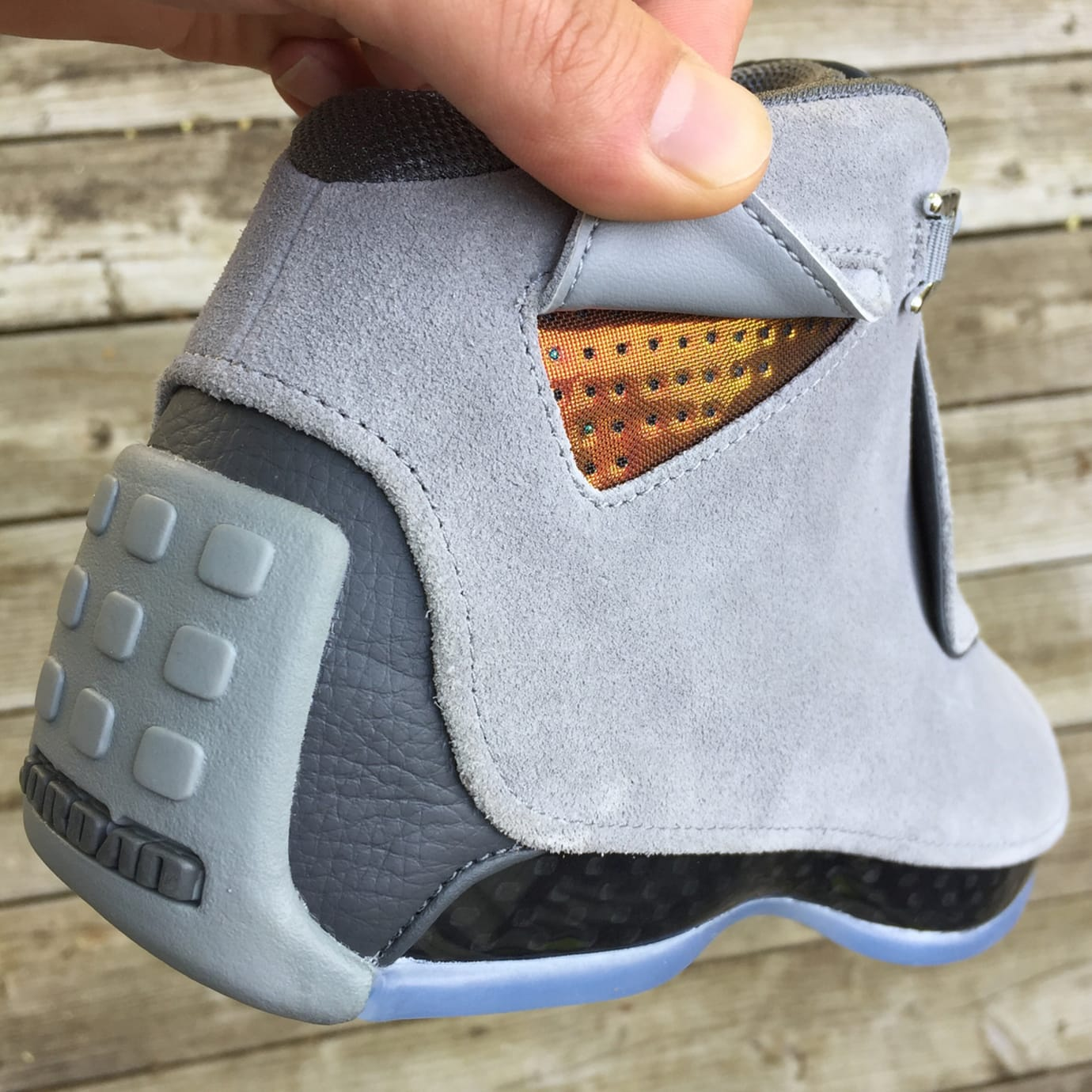 Air Jordan 18 'Cool Grey' AA2494-001 (Heel)