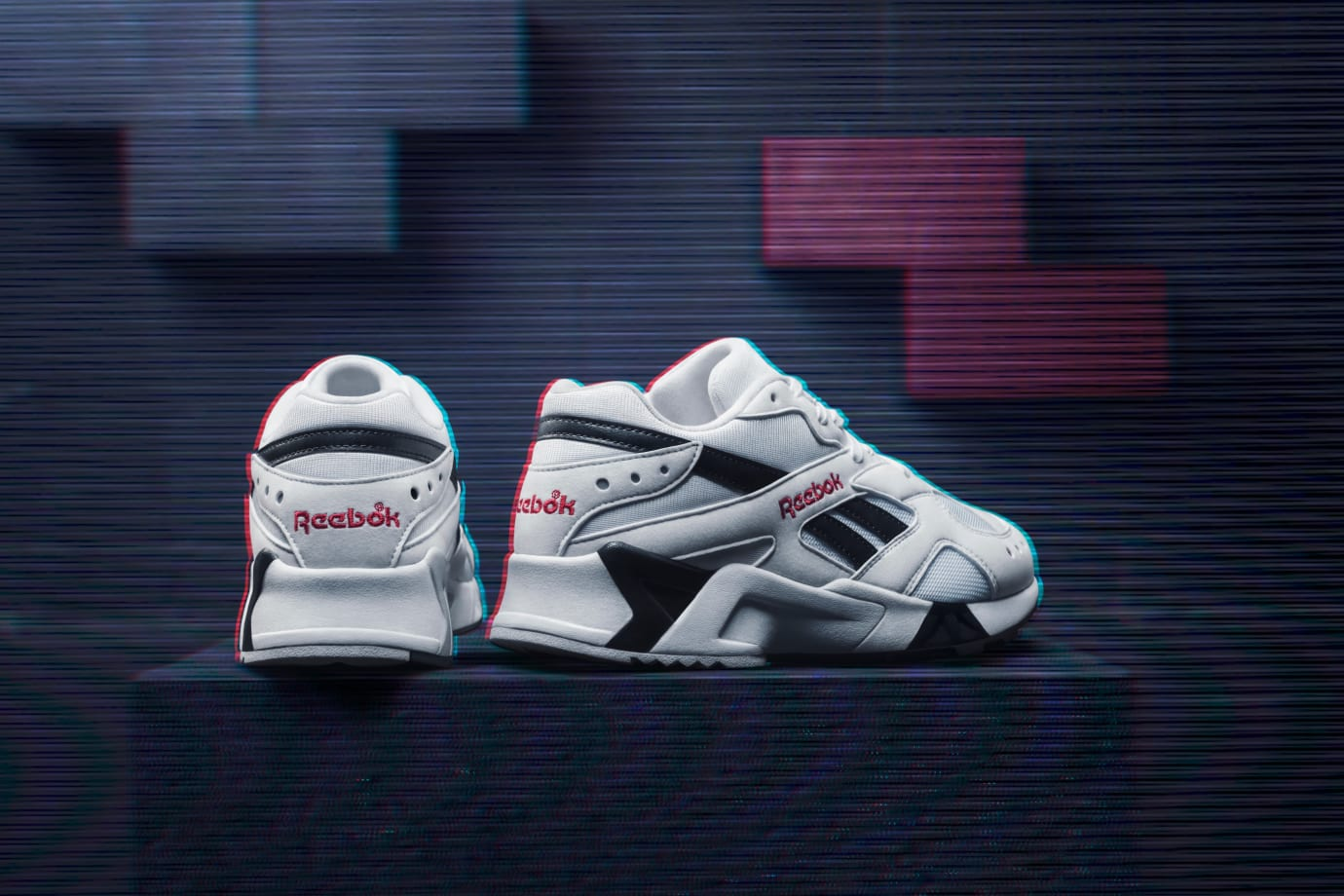 372be8ddc91e Reebok Aztrek  White Black Excellent Red