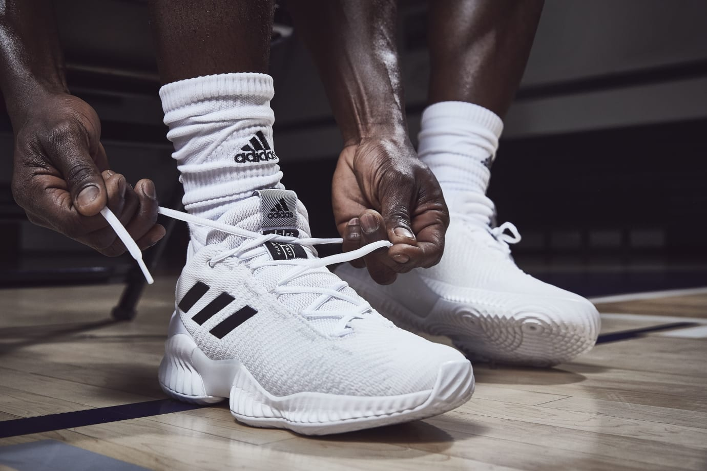 Adidas Pro Bounce Low 'White/Black' 1