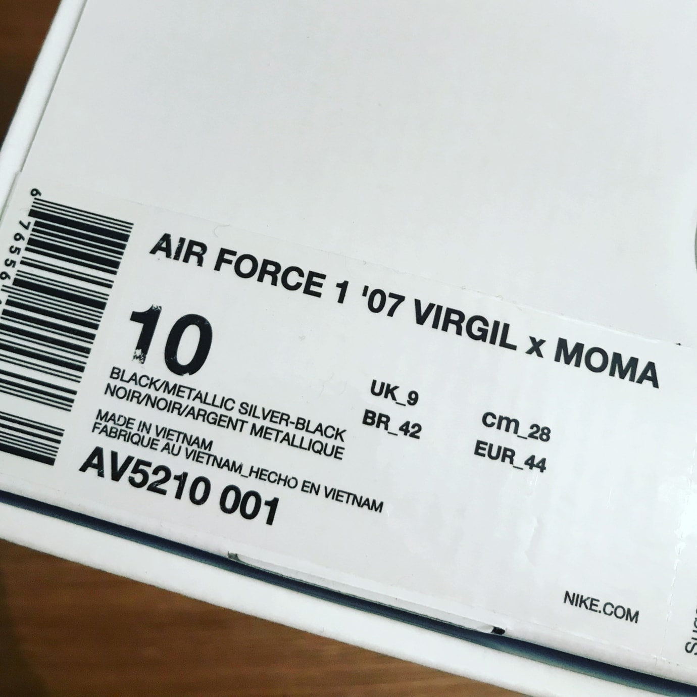 Virgil Abloh Off-white x Nike Air Force 1 Low MoMa AV5210-001 Box
