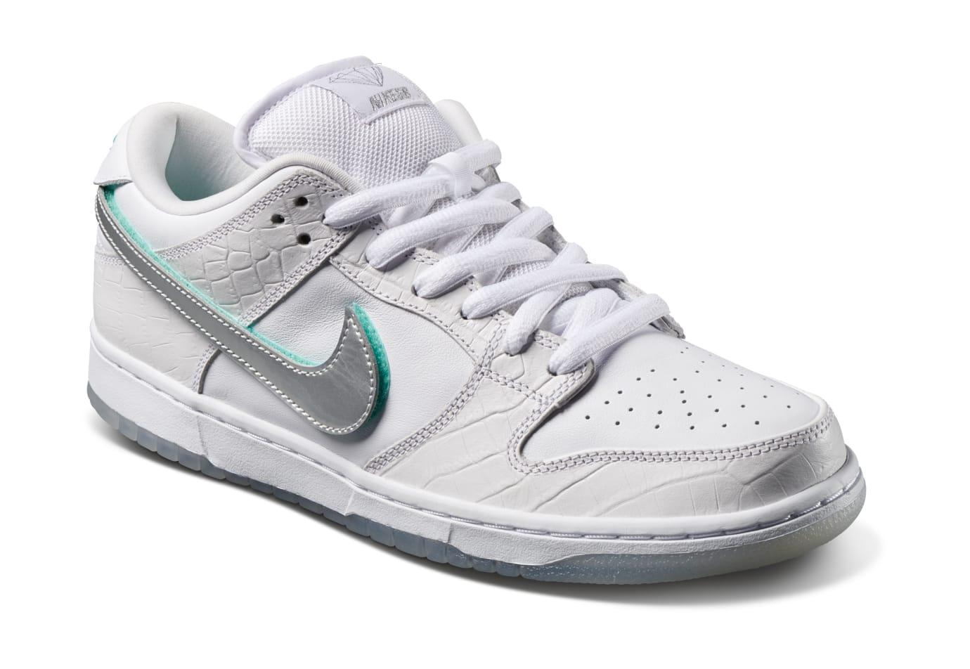 Diamond Supply Co. x Nike SB Dunk Low 'White' (Front)