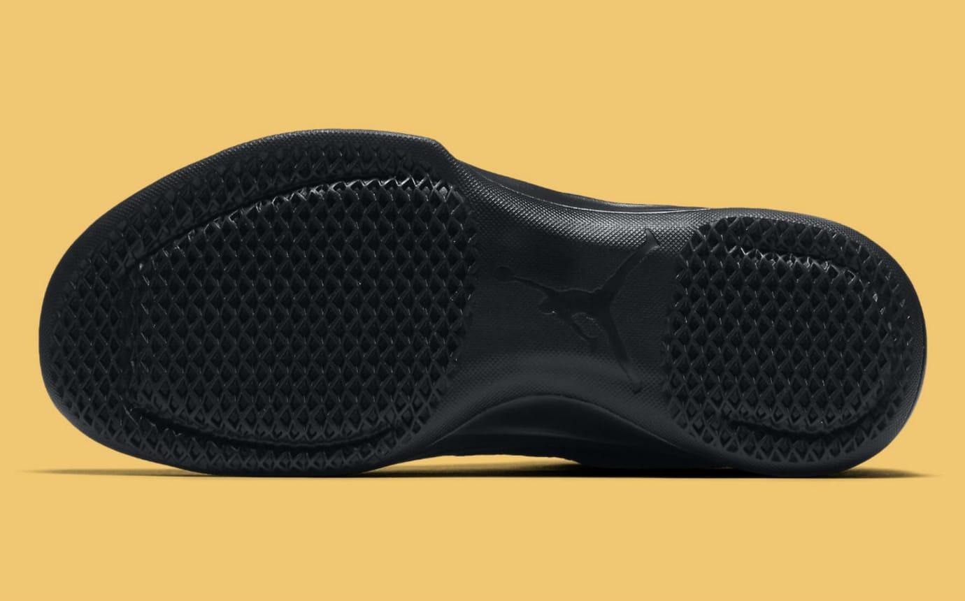 552ba0aaa676 Air Jordan 31 Low Black Gold Release Date Sole 897564-023
