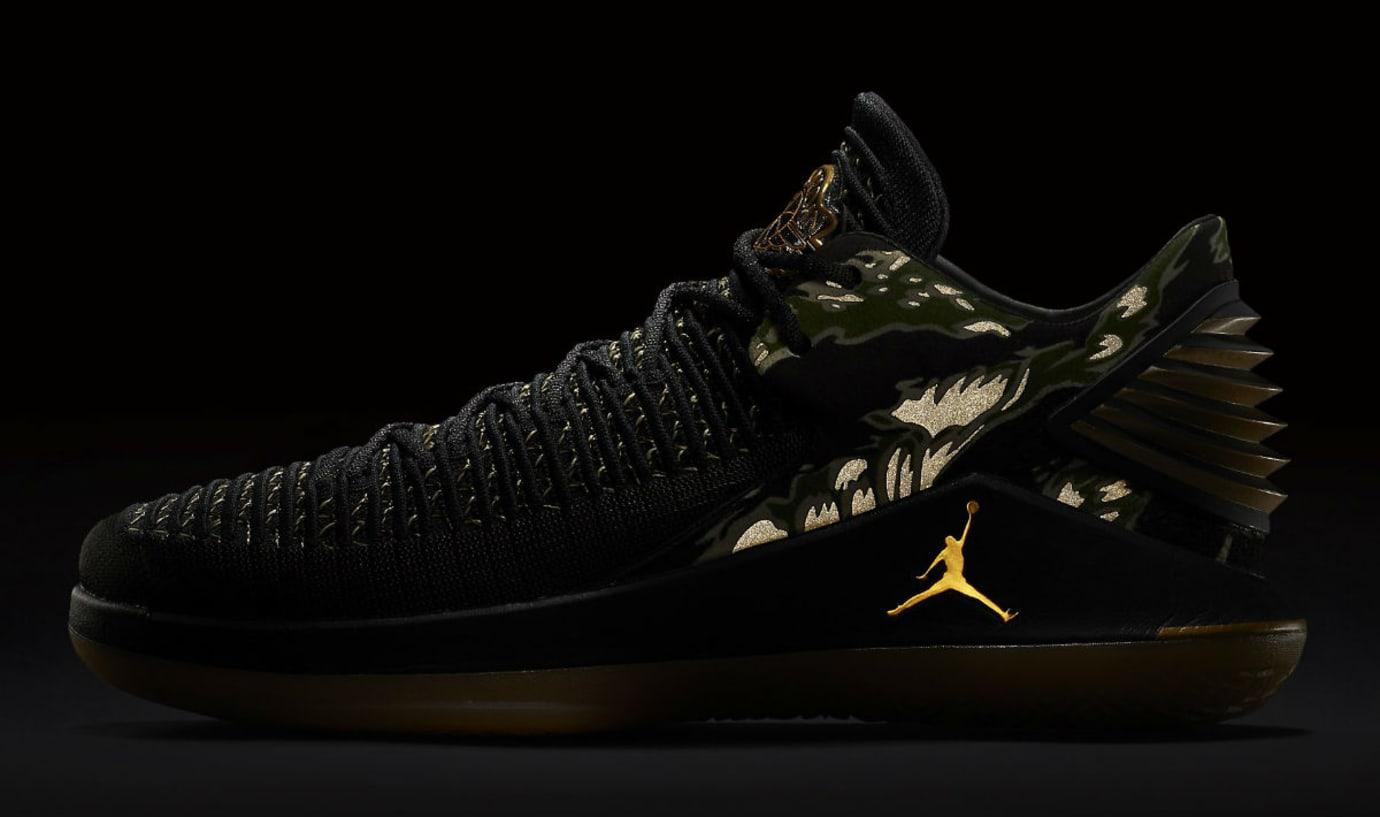 sports shoes e86fd aaa96 Air Jordan 32 Low Camo Men s Release Date AA1256-021 3M