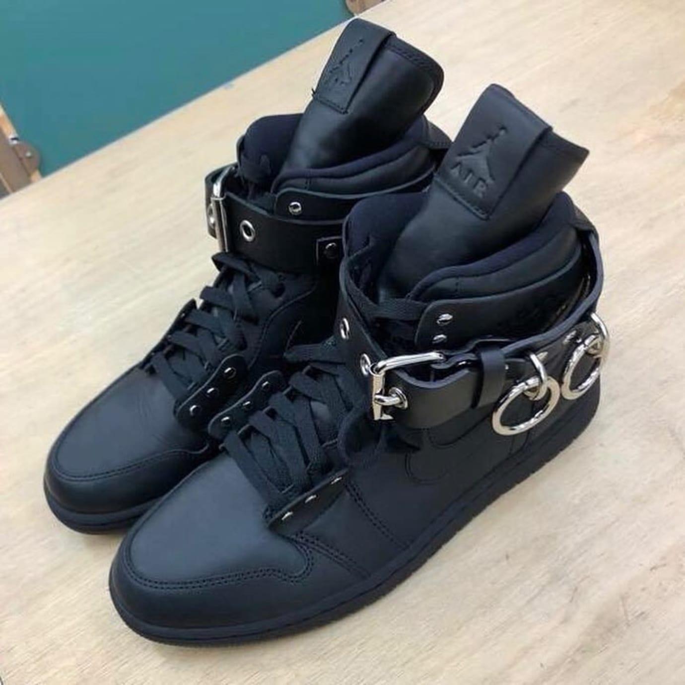 Comme des Garcons x Air Jordan 1 Black