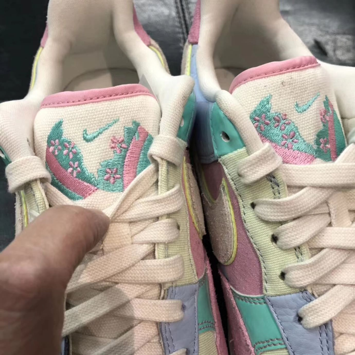 Nike Air Force 1 Low Easter 2018 Release Date Tongue