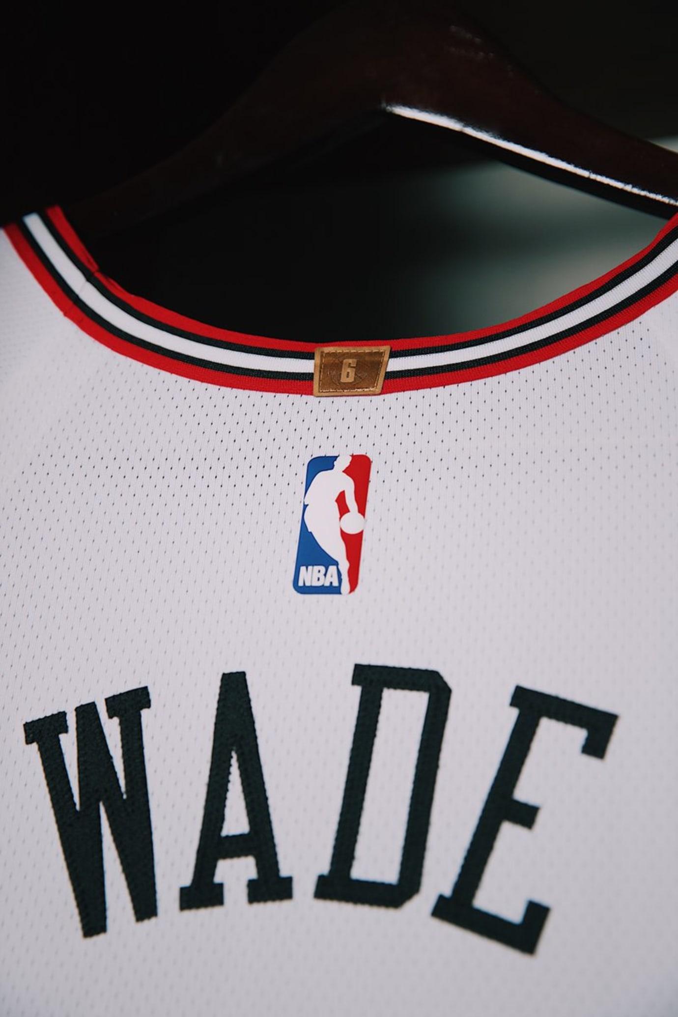 Chicago Bulls Nike Jersey Away Collar