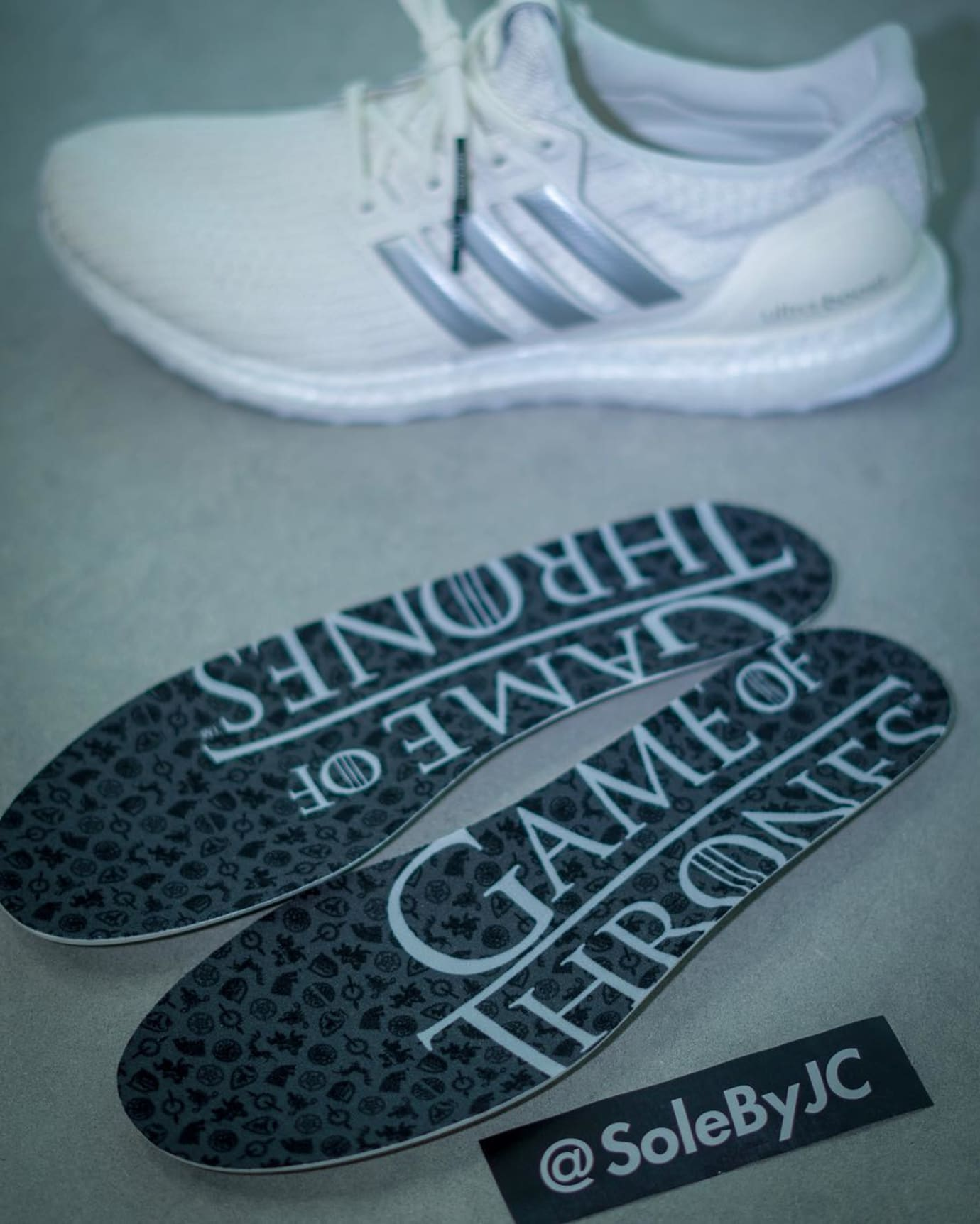 game-of-thrones-adidas-ultra-boost-4-0-house-of-targaryen-insole