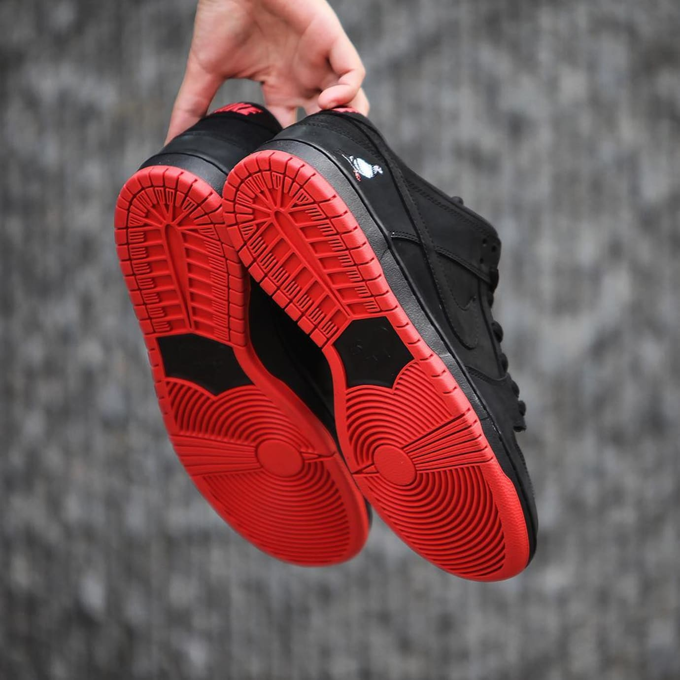 Nike SB Dunk Low Black Pigeon Release Date 88323-008 (8)