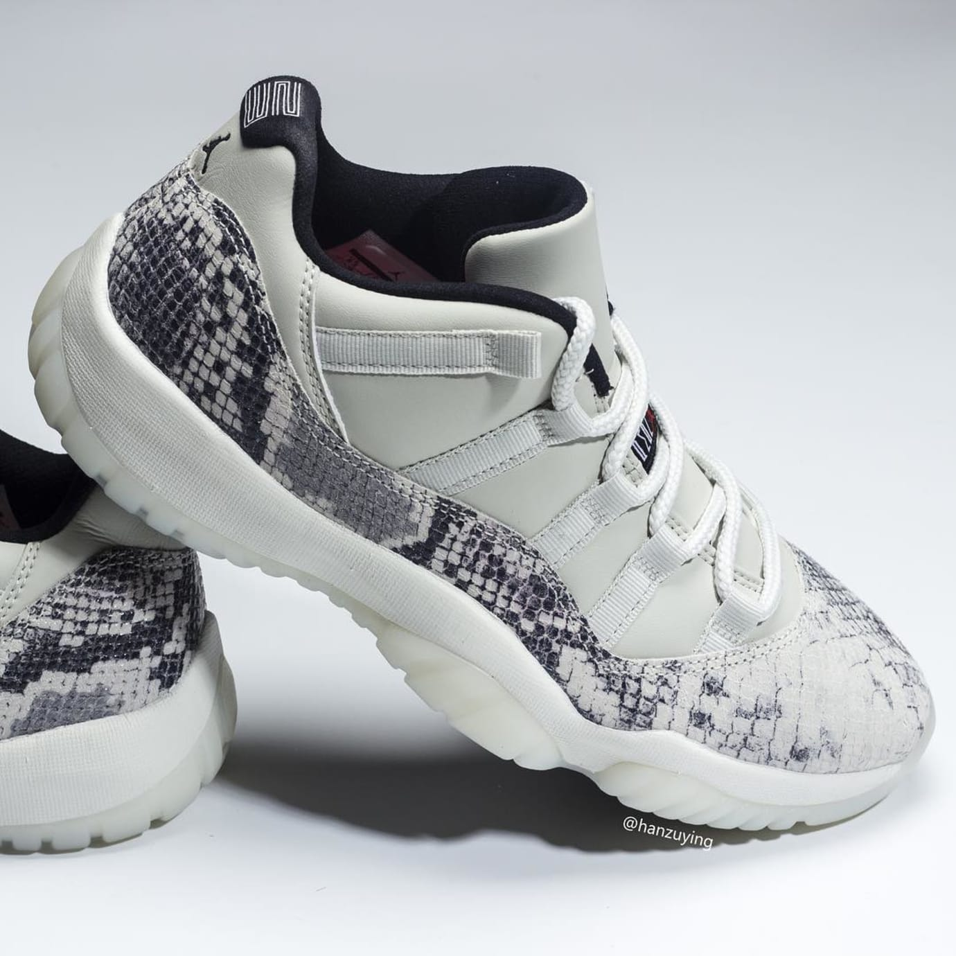 premium selection c759d bbbd6 Image via hanzuying · Air Jordan 11 Low SE Snakeskin  Light Bone University  Red-Sail-Black