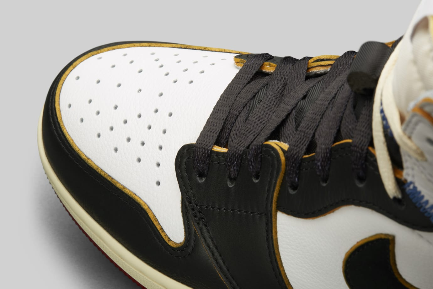 Union x Air Jordan 1 BV1300-106 (Detail 2)