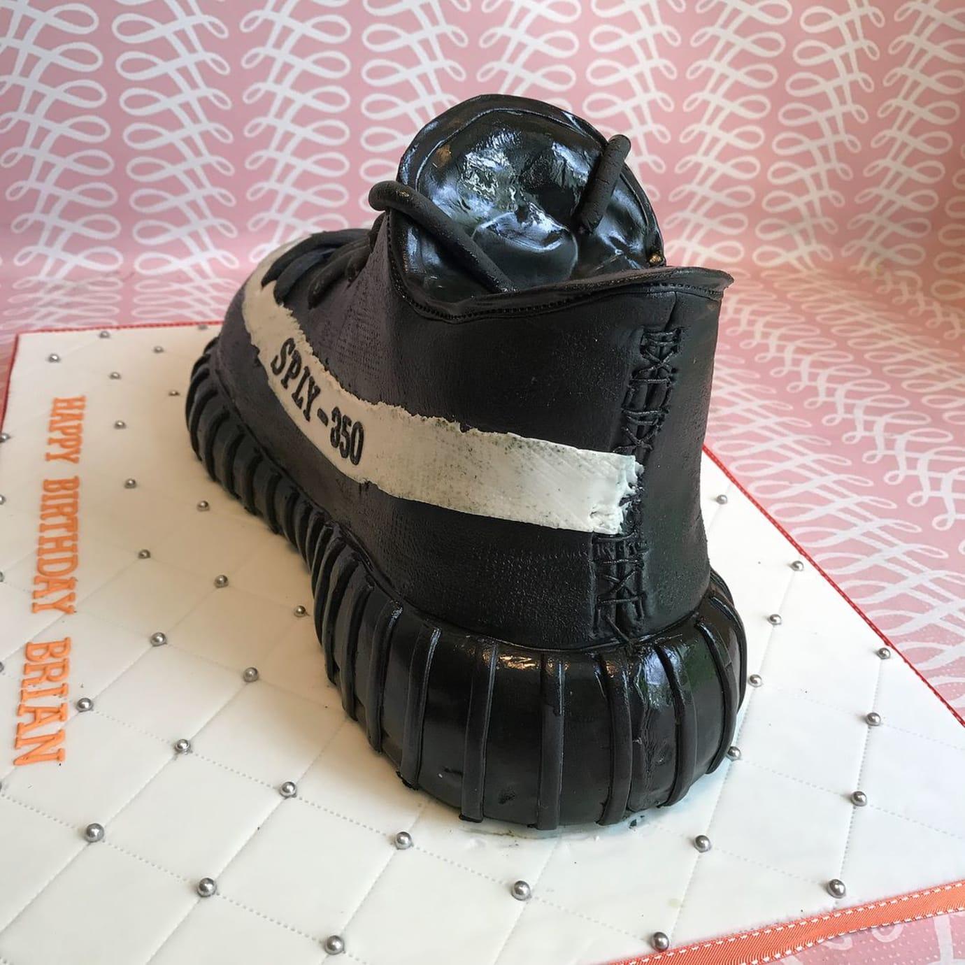 382f8935cbc Adidas Yeezy Boost 350 V2 Birthday Cake (4)