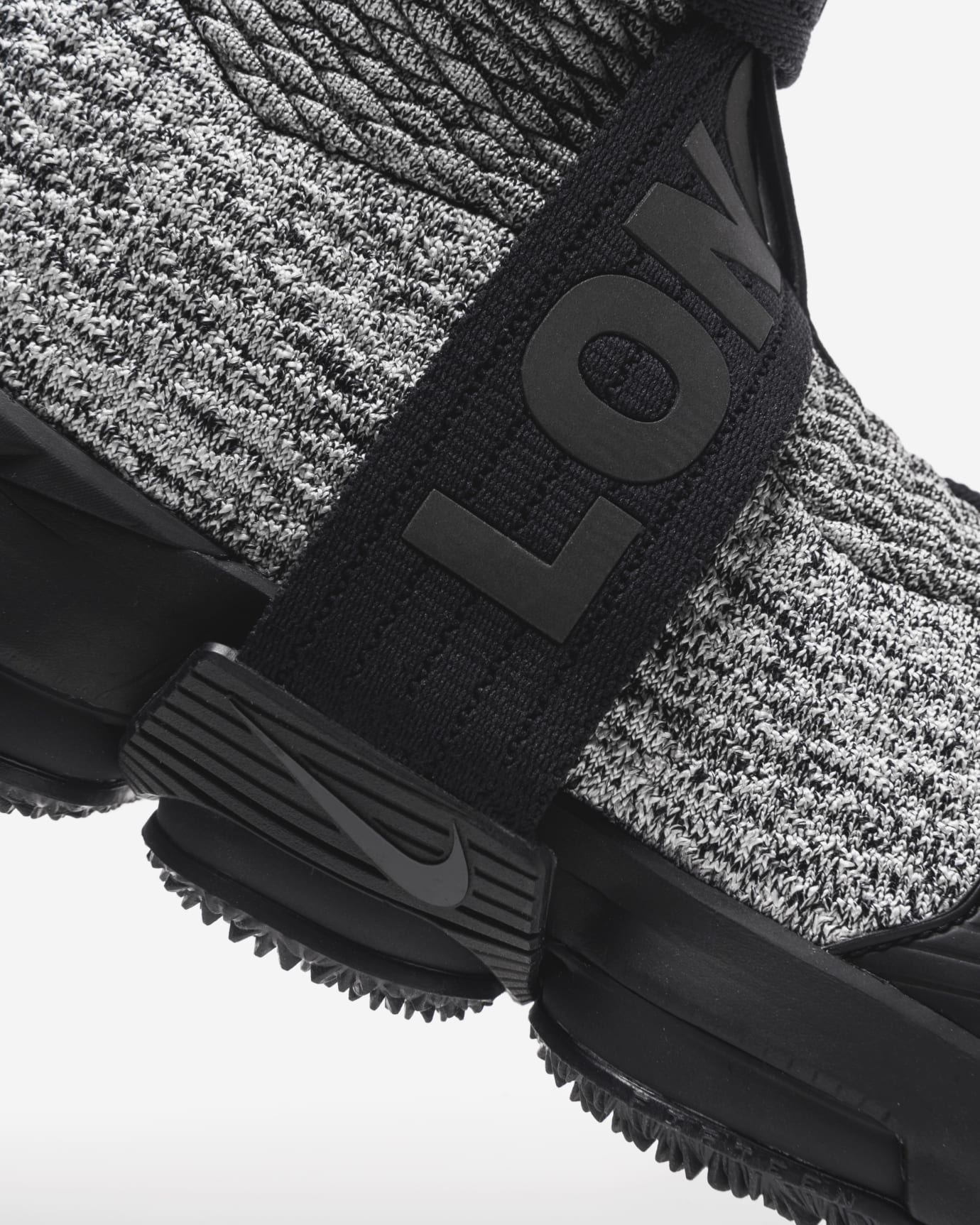 Kith Nike LeBron 15 Ronnie Fieg 4