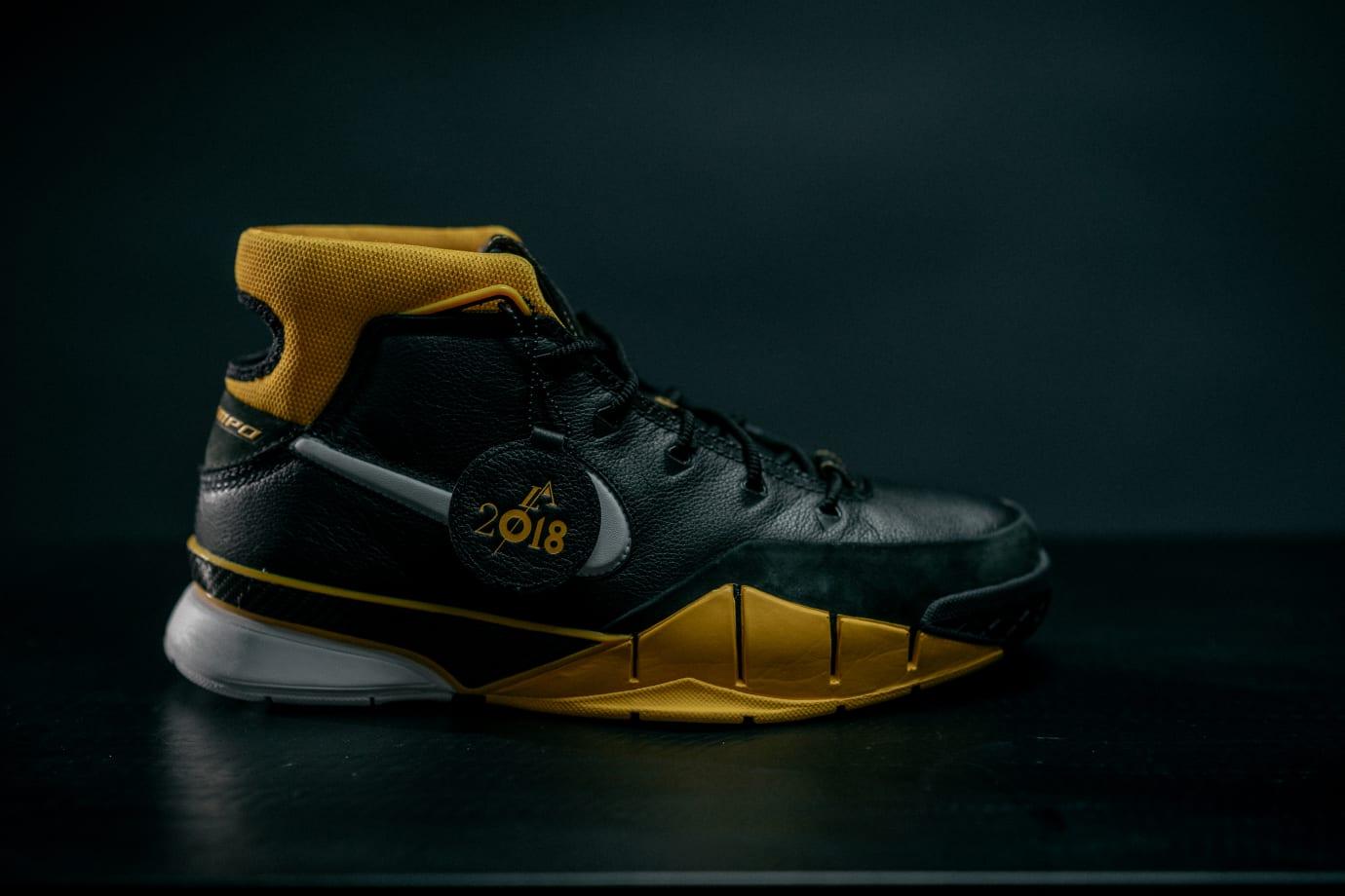 Nike Kobe 1 Protro Side