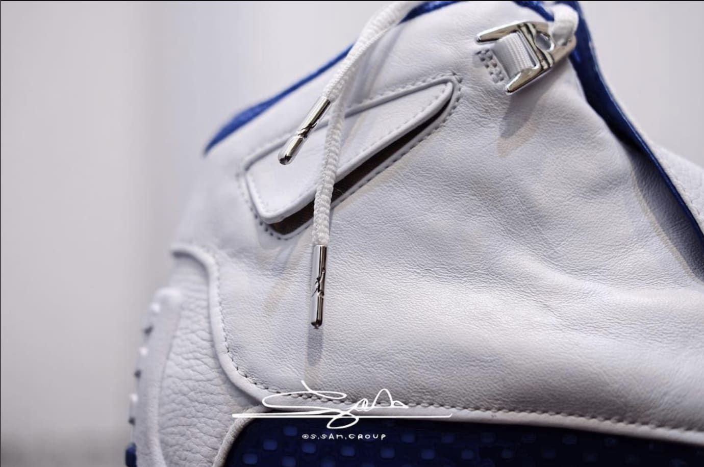 Air Jordan 18 White/Sport Royal-White-Metallic Silver AA2494-106 (Detail 1)