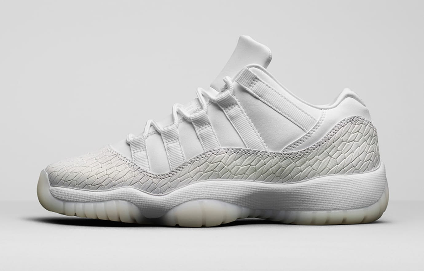 Heiress Air Jordan 11 Low White 897331-100 Profile