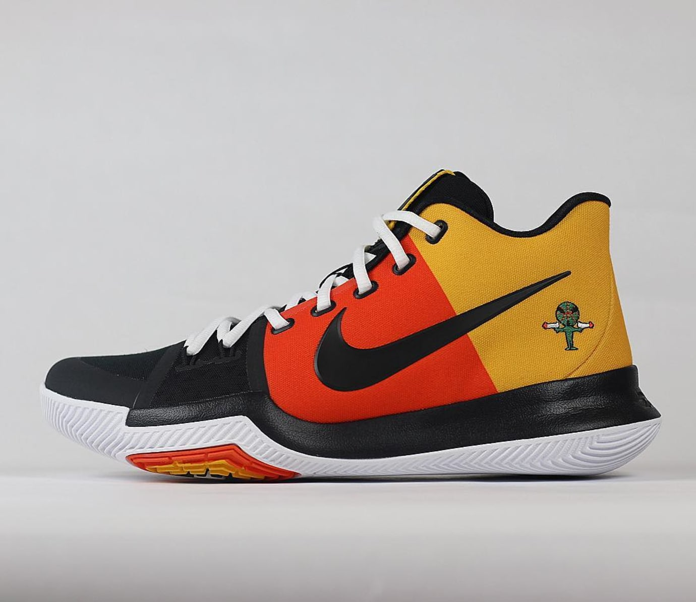 sports shoes 6ce52 46565 Nike Kyrie 3 Raygun | Sole Collector