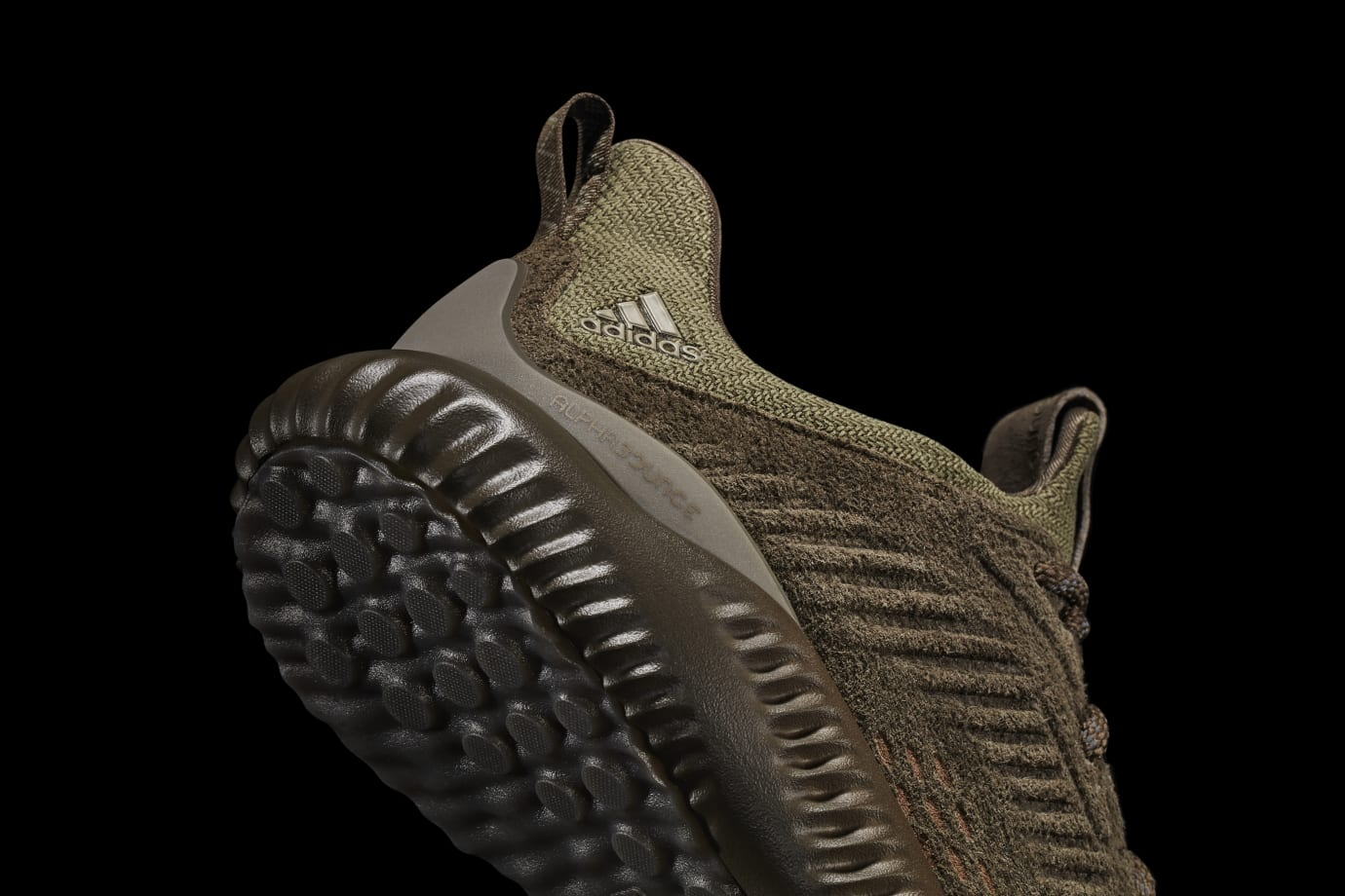 Adidas AlphaBounce Suede Olive (Detail)