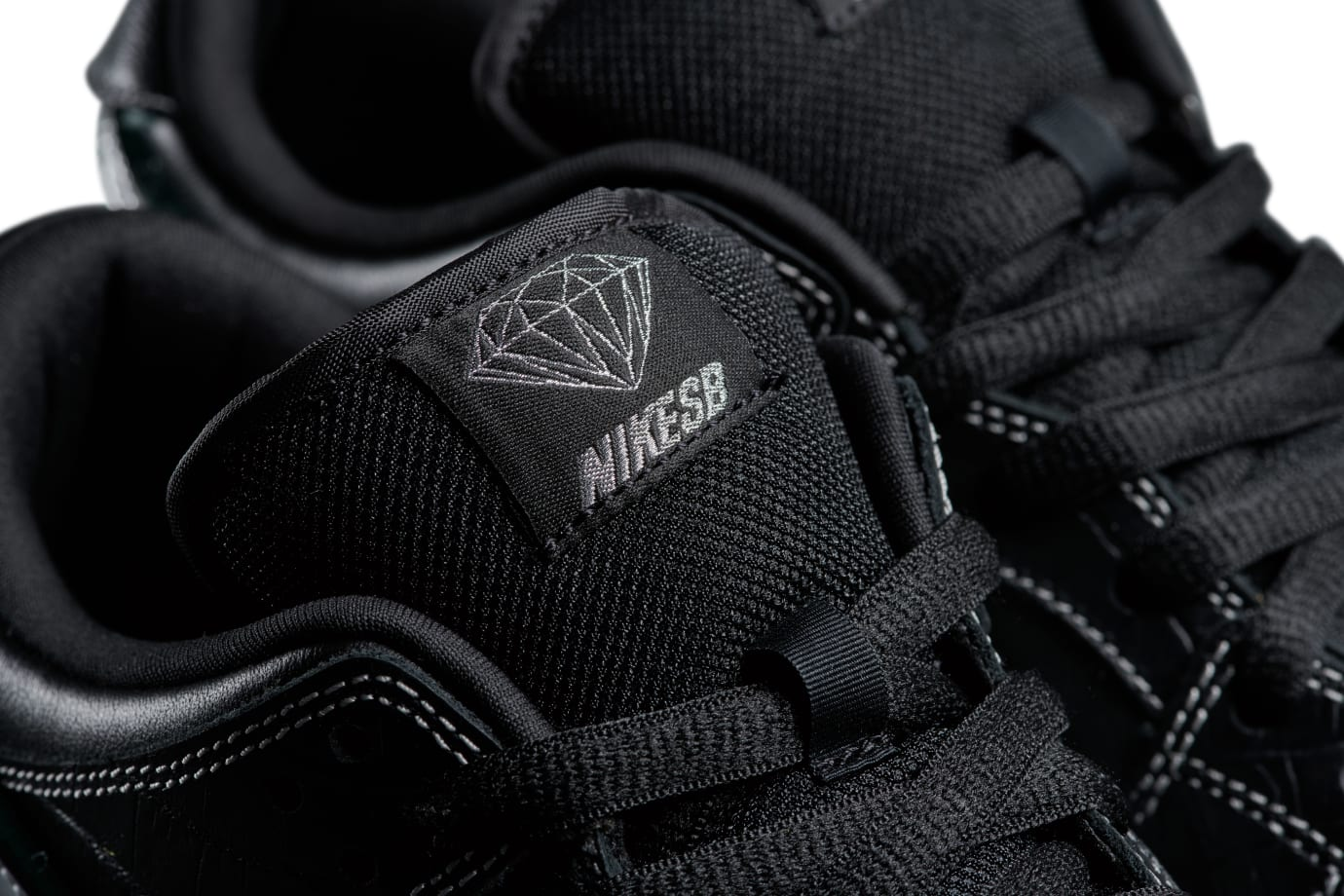 Diamond Supply Co. x Nike SB Dunk Low 'Black' (Tongue)