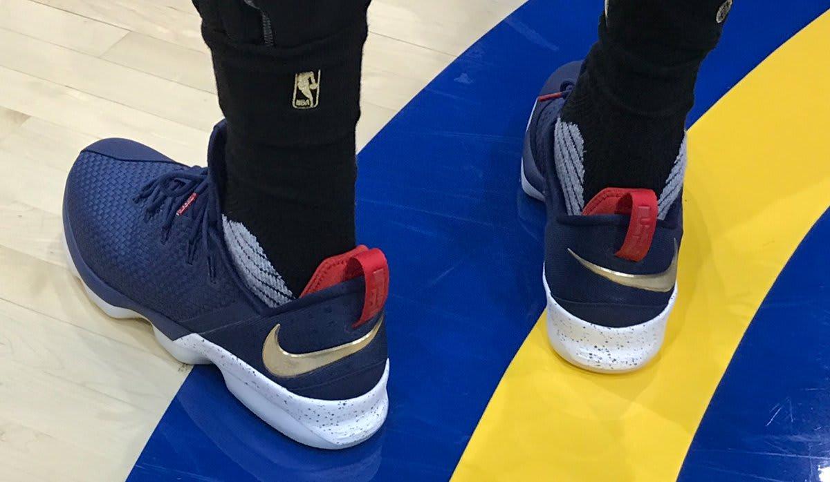 LeBron James Nike LeBron 14 Low Cavs Heel