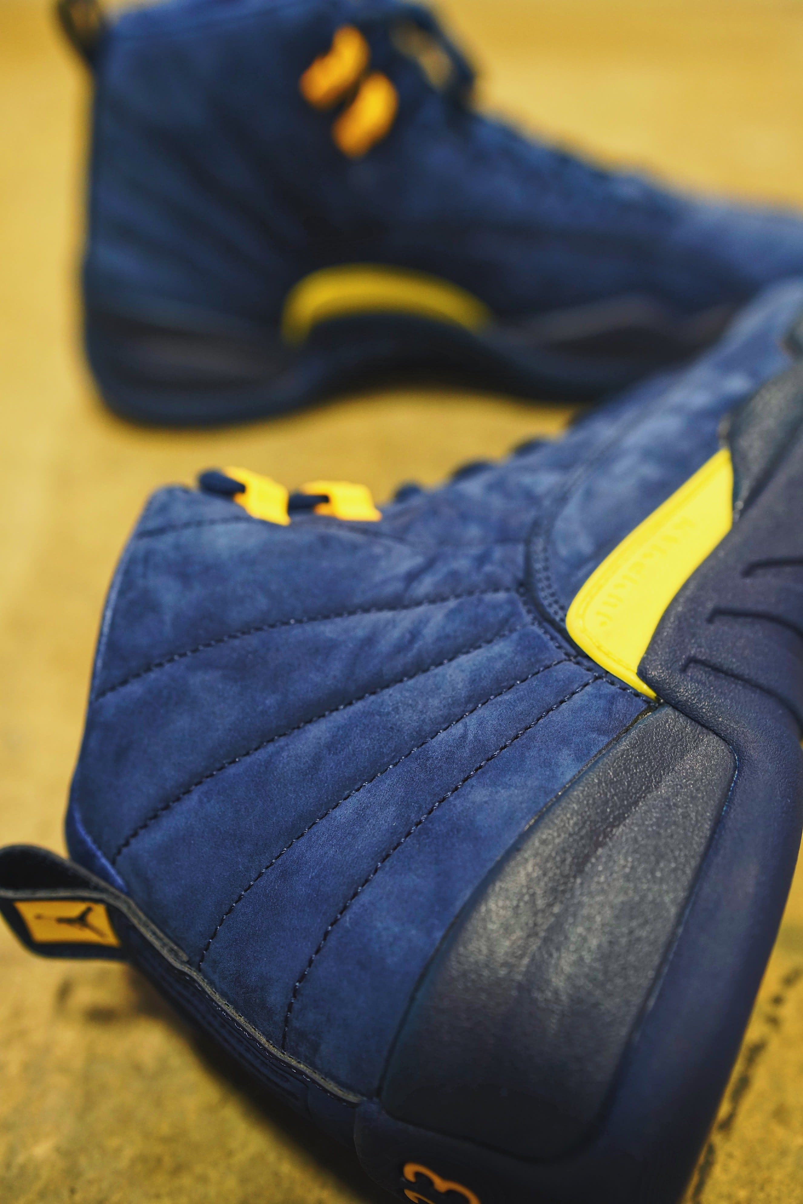 Air Jordan 12 'Michigan' BQ3180-407 (Detail)