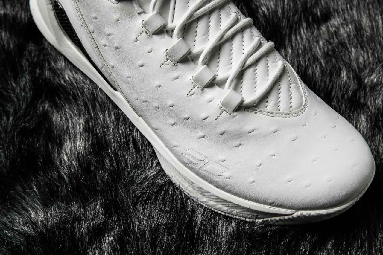 06464e5aee7b ... closeout image via kenlu under armour curry 3 low lux white ostrich  upper 01612 346b1 ...