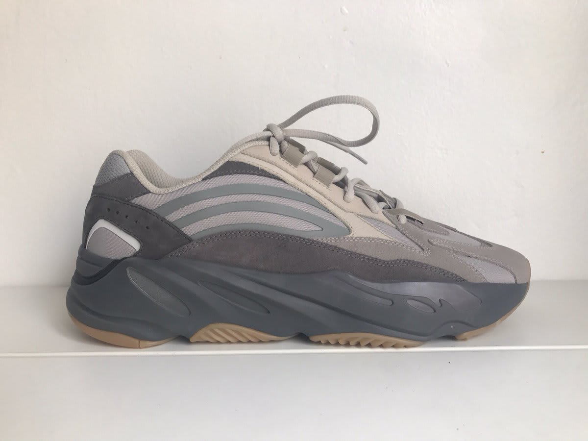 Adidas Yeezy Boost 700 V2 Grey