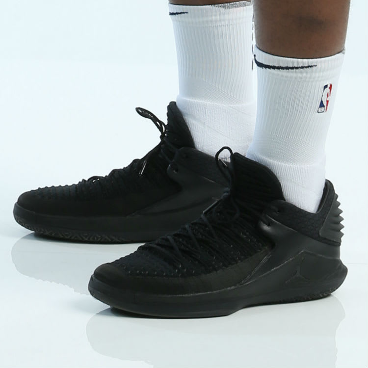 Jimmy Butler Air Jordan 32 Low Triple Black (4)