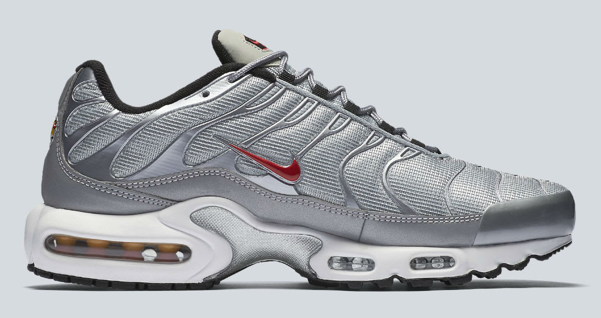 nike air max plus silver bullet release date 903827 001. Black Bedroom Furniture Sets. Home Design Ideas