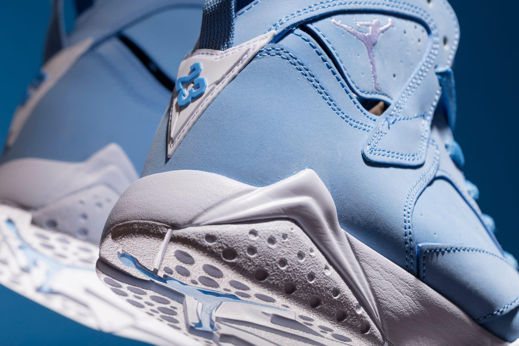 Pantone Jordan 7 Heel
