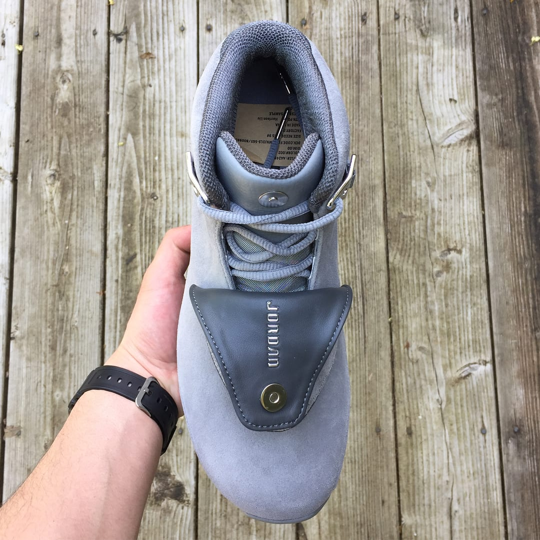 Air Jordan 18 'Cool Grey' AA2494-001 (Top)