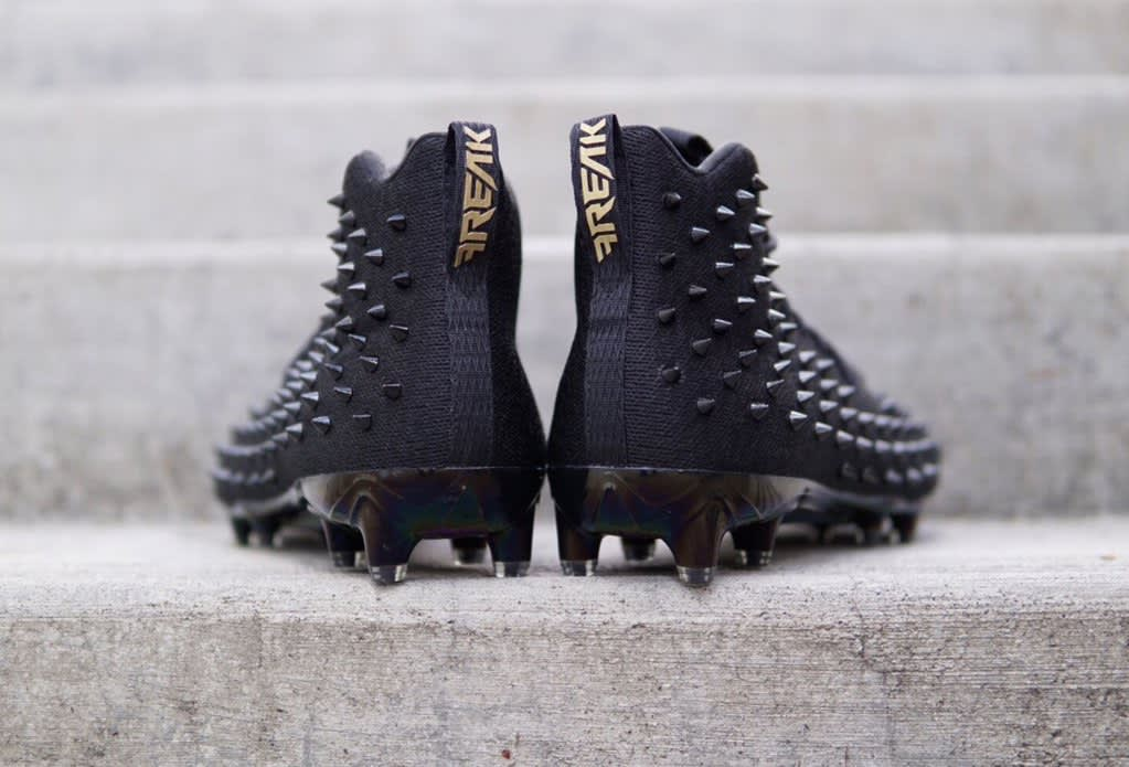 Adidas Spiked Cleats (2)